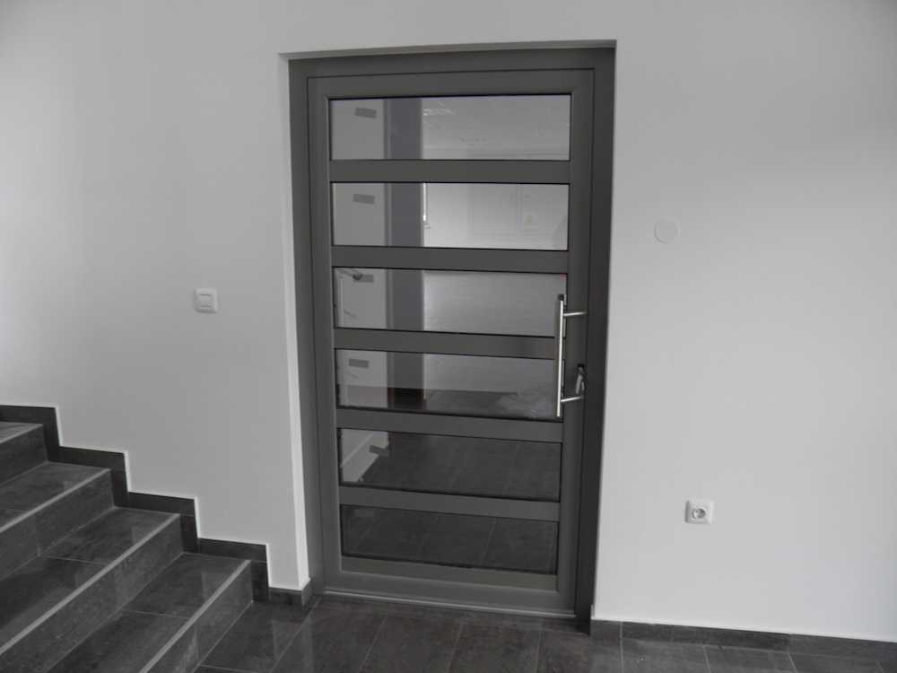 alu vrata 3